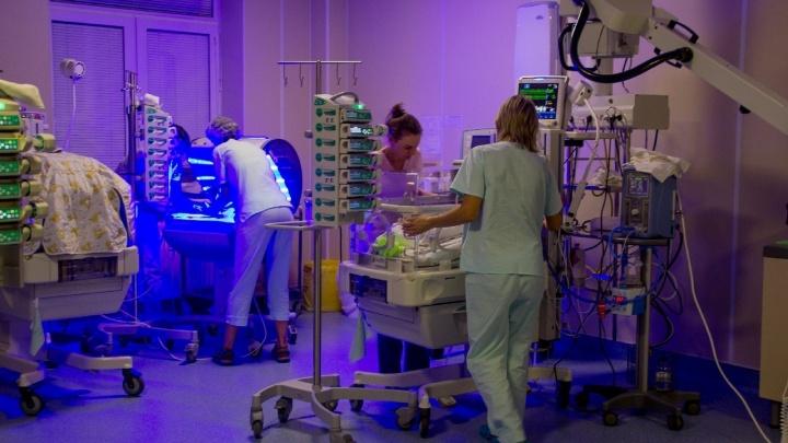 30 минут и целая жизнь. Архангельские врачи спасли новорожденного со сложным пороком сердца