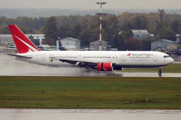 Пассажиры Royal Flight ждут вылета в Анталью с 4 часов утра