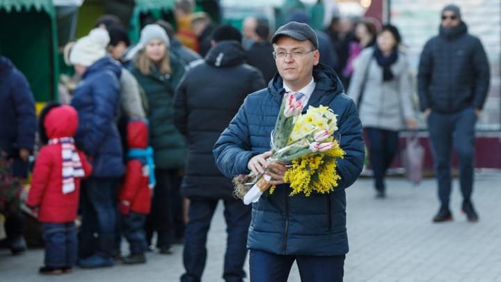 Рассказываем, где купить самую душистую мимозу и тюльпаны в Волгограде: адреса цветочных базаров