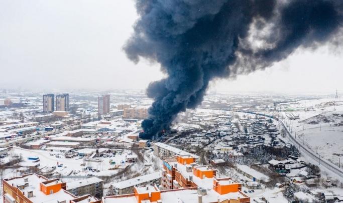 Трое спасателей погибли, пока искали пострадавшего при пожаре в Красноярске: у них кончился воздух