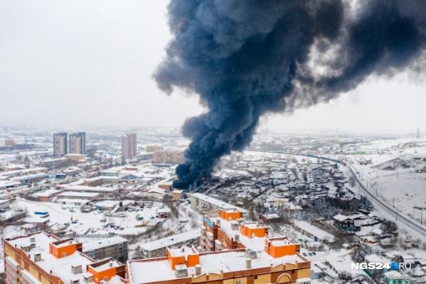 Пожару присвоен самый высокий ранг опасности