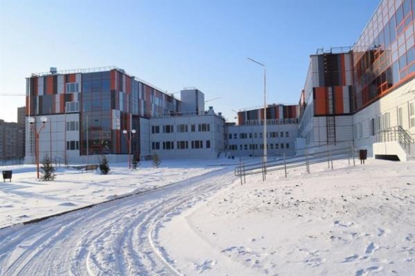 В этом году весь бюджет ушел на огромную школу в Пашенном