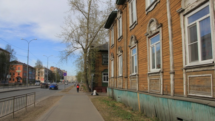 Пустырь вместо многоэтажки: угадайте улицу Архангельска по фото 11-летней давности