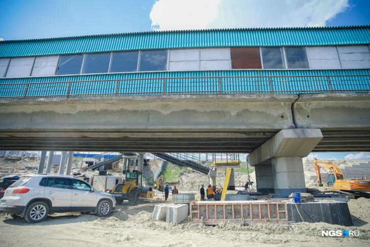 Внешние мостики метромоста спрячут под новым фасадом
