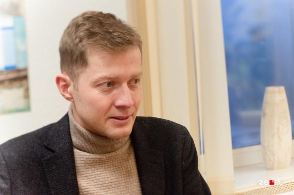 Александр Герштанский объяснил, что грибок в палате начал расти, поскольку по эпидтребованиям в ковидарии были закрыты вентиляционные отверстия