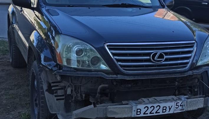 Автохамы недели: умелец парковаться посреди дороги и хамство от владельцев «Лексуса» 222 и «Мерседеса» 999