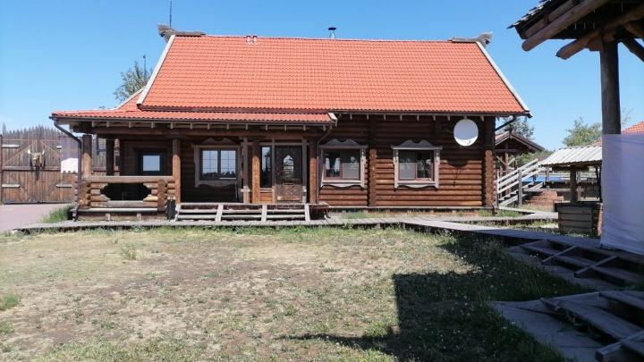 Приставы распродают имущество омского бизнесмена Мацелевича: фотоэкскурсия по его загородной базе отдыха