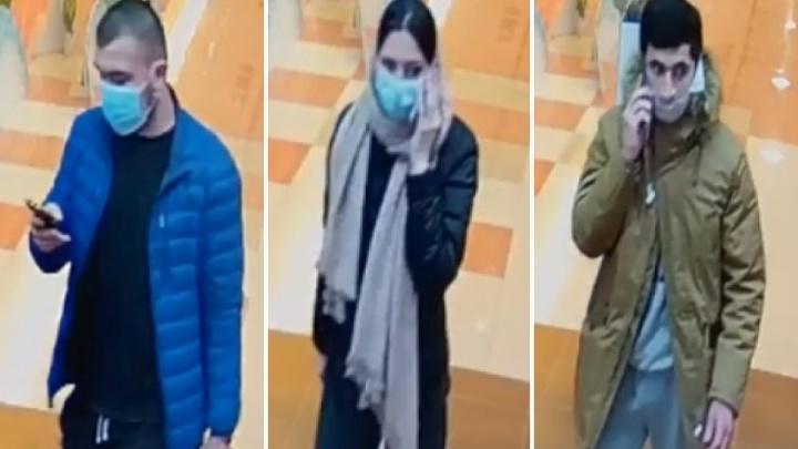 Пермская полиция ищет подозреваемых в краже дорогих телефонов. Видео