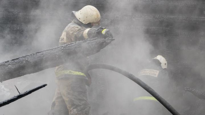 На пожаре в Перми погибли бабушка и внучка: школа, в которой работала женщина, собирает деньги семье