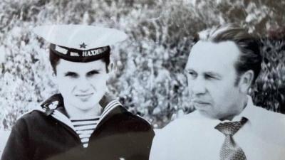 Сергей Цивилёв показал архивные фото со своим отцом. Смотрите, как выглядел губернатор раньше
