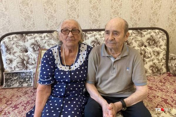 Тамаре Филипповне и Ивану Яковлевичу Тандаловым по 90 лет