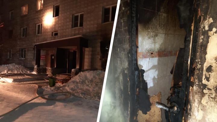 В бердской шестиэтажке загорелась захламленная квартира— есть погибшие