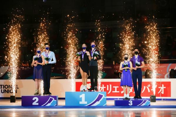 Победители и призеры соревнований в танцах на льду среди юниоров