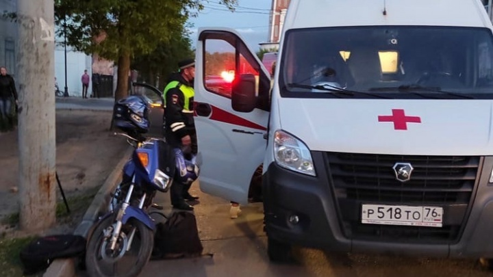 В Рыбинске во время ДТП с мотоциклом пострадала 70-летняя пенсионерка, которая ехала на «Ямахе»