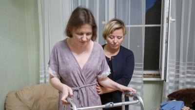 """«Помочь могут только в Москве»: как <nobr class=""""_"""">38-летняя</nobr> женщина превращалась в инвалида, а врачи только разводили руками"""