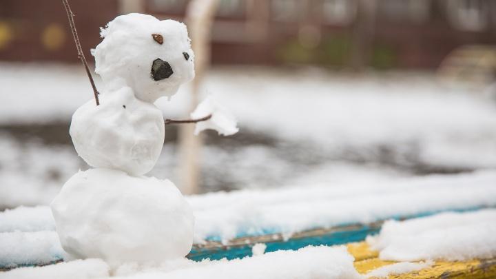 «Синяк на лице, сознание теряет»: мужчина избил двух подростков из-засломанного снеговика