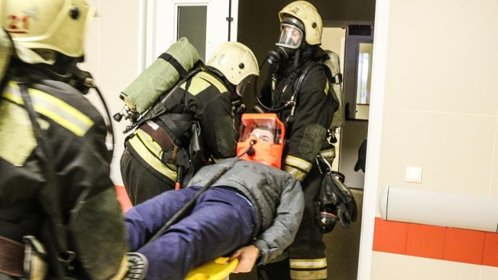 Помощь спасателей была просто неоценимой: врачи больницы №7 рассказали о пожаре в клинике