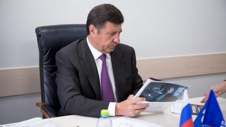 У омского депутата Голушко нашли недвижимость во Франции, а также вертолет и бизнес-джет
