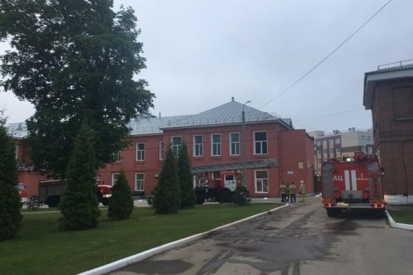 В общей сложности из больницы эвакуировали 35 человек