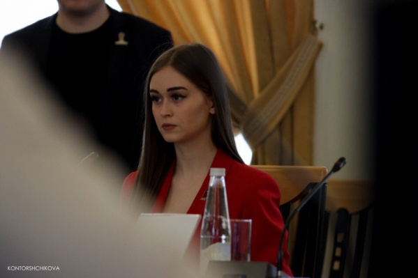 По словам Эльнары Бадаловой, после заражения ковидом она решила, что не имеет права рекламировать масштабное мероприятие на фоне эпидемии