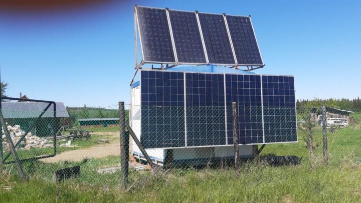 Чтобы люди не терялись на перевале Дятлова: на Северном Урале поставили таксофон на солнечных батареях