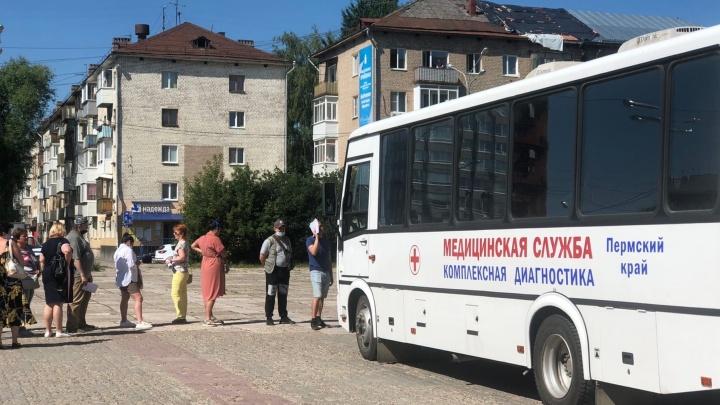 В Перми вновь работают мобильные пункты вакцинации от коронавируса. Можно ли там привиться вторым компонентом?
