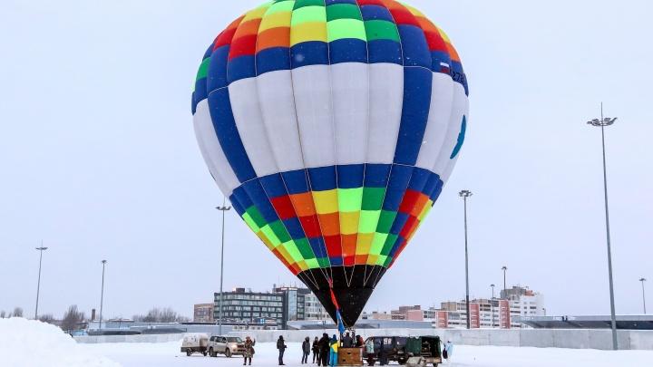 Десяток аэростатов в небе над Волгой. В Нижнем Новгороде состоялась гонка на воздушных шарах