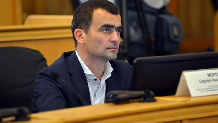 «Внимательнее надо быть»: в Тюмени депутата-миллионера сняли с выборов из-за зарубежных активов