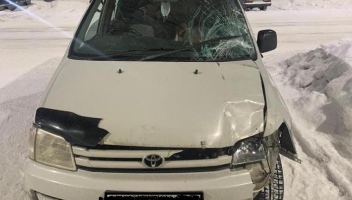 Водитель насмерть сбил пешехода на переходе и скрылся. Нашли по обломкам бампера