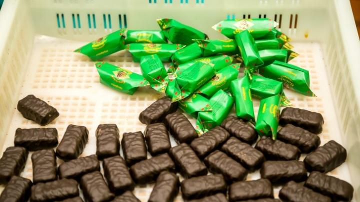 В Красноярске задержали мужчину, раздававшего детям конфеты