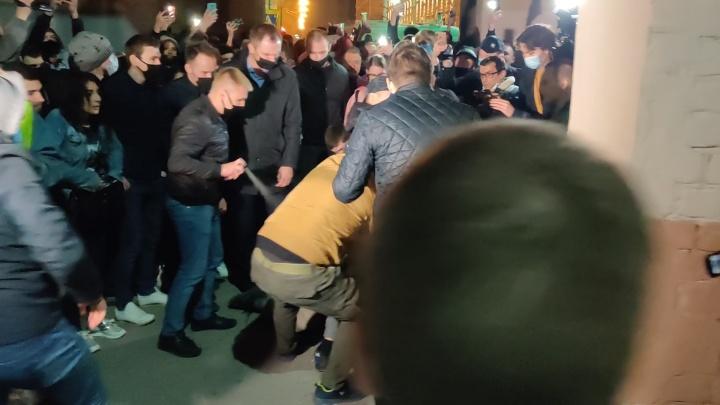 Массовые задержания в центре Волгограда. Применен слезоточивый газ