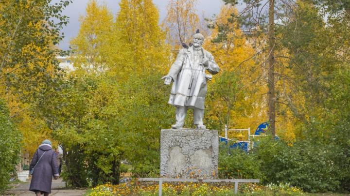 «Дешевая штамповка» или история? Архангелогородцы обсуждают, нужен ли памятник Ленину в Соломбале