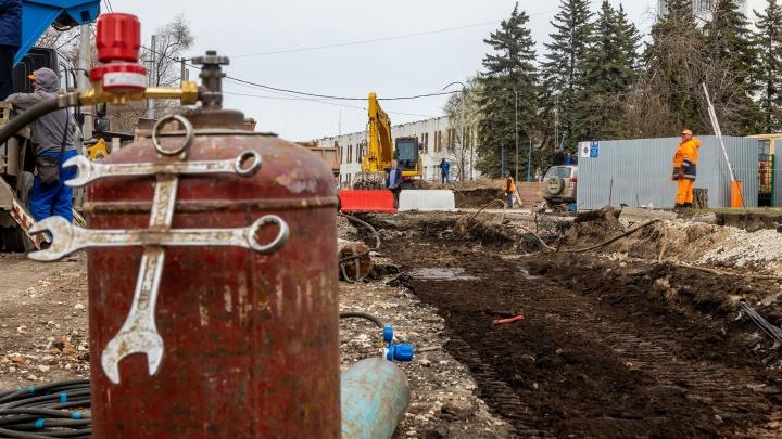 Грязь и трубы: 5 неформальных фото строительства развязки на Ново-Садовой