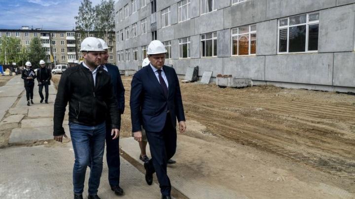 Строительство нового корпуса школы «СинТез» опережает график работ