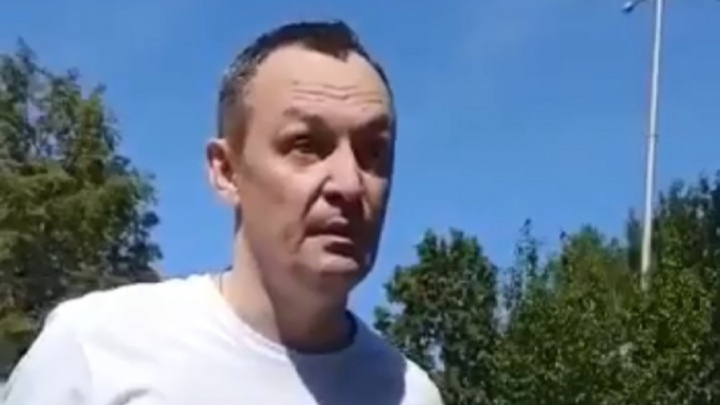 «Вы, умники, забыли, где живете?»: появилось видео задержания депутата Госдумы Алексея Бурнашова