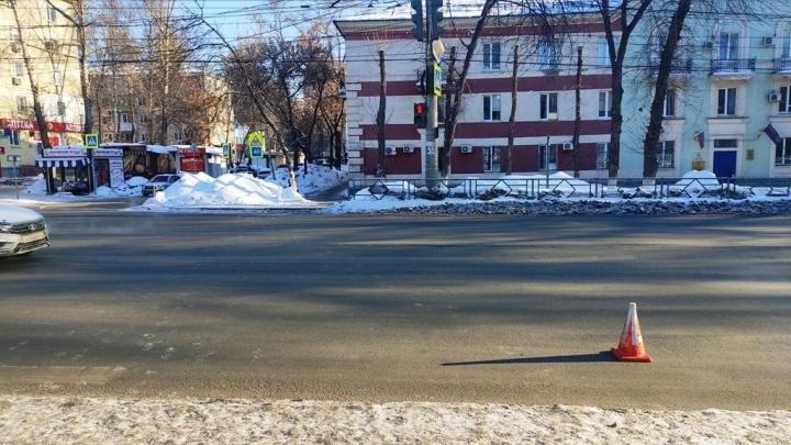 В Самаре женщина сбила ребенка, который переходил дорогу на красный свет