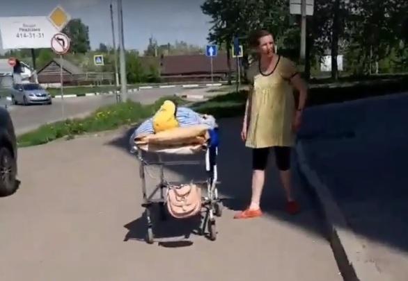 «Равнодушие людей поразило»: нижегородец, который помог женщине и ее мужу-инвалиду, рассказал, как всё было