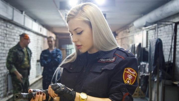 В Екатеринбурге уволенная краса Росгвардии через суд вернула себе работу