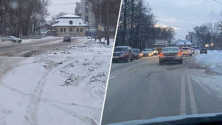 «Ждут человеческих жертв»: маршрутчики обвинили власть в плохом содержании дорог