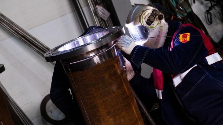 «Сделали ставку на интеллект»: репортаж с уральского завода, который перевернул сферу энергетики