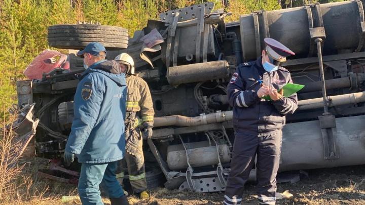 В Свердловской области водитель устроил смертельное ДТП при выезде на трассу