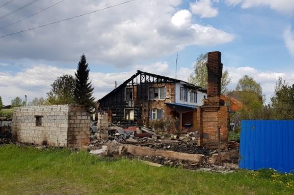 """Дом чиновницы сгорел в ночь с 22 <nobr class=""""_"""">на 23 мая</nobr> <nobr class=""""_"""">2019 года</nobr>"""