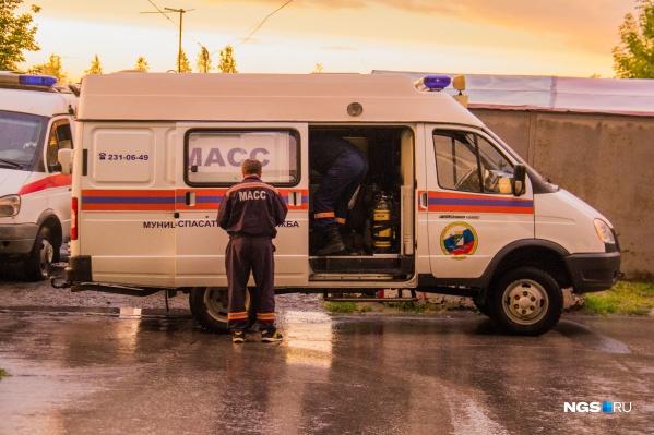 Машину разблокировали спасатели МАСС