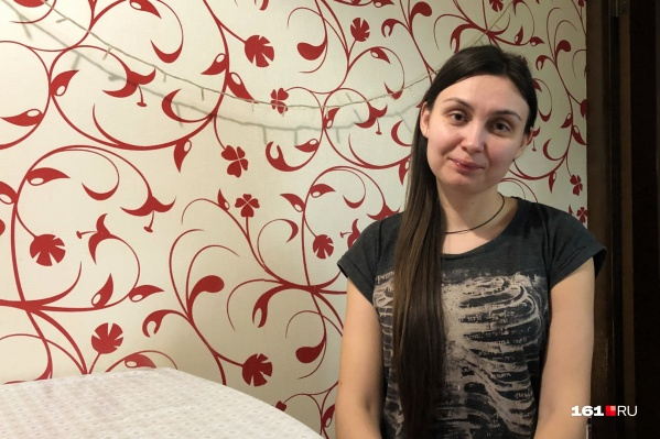 В твиттере Ксения опубликовала фото пораненной руки. Причины задержания она не сообщает