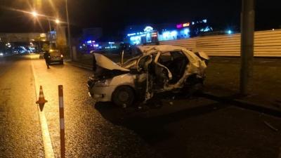 Пьяный водитель на Мельникайте врезался в такси. Один человек погиб и еще пятеро пострадали