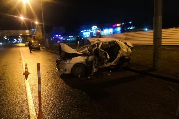 Погибшему таксисту было <nobr></nobr>33 года. Его пассажиры, получившие серьезные травмы, находятся в больнице