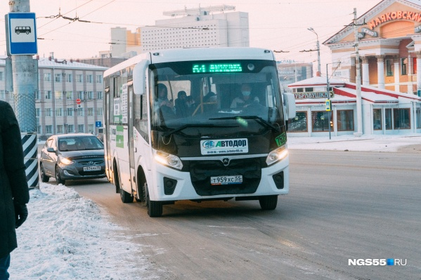 """В новогодние праздники автобус маршрута <nobr class=""""_"""">№ 64</nobr> можно было заметить на улицах Омска крайне редко"""