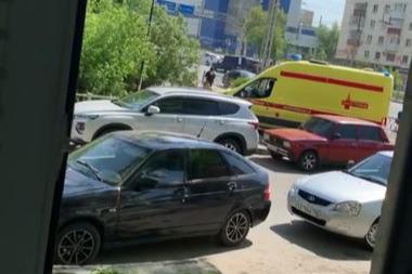 У железнодорожного вокзала в Екатеринбурге задержали мужчину с ножом