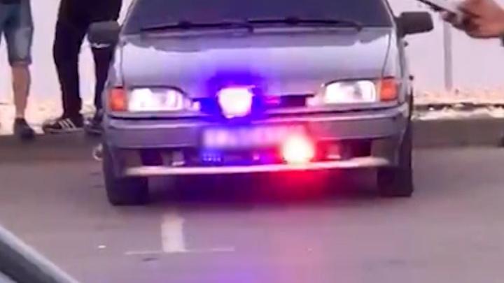 Волгоградца могут лишить прав за полицейские мигалки и тонировку