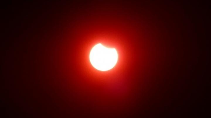 Лето, ты просто космос: в небе над Екатеринбургом можно будет увидеть солнечное затмение